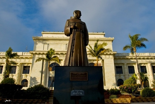Sculpture of Father Junipero Serra in front of Ventura City Hall